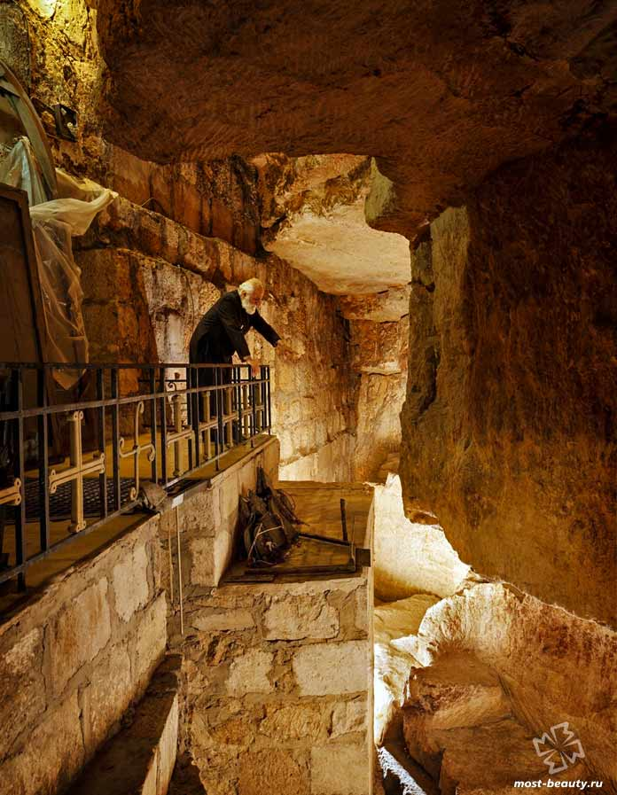 Древние подземные туннели
