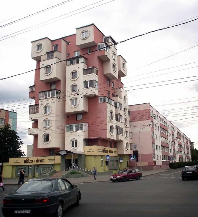 Удивительные примеры советской архитектуры: Дом-скворечник в Бобруйске