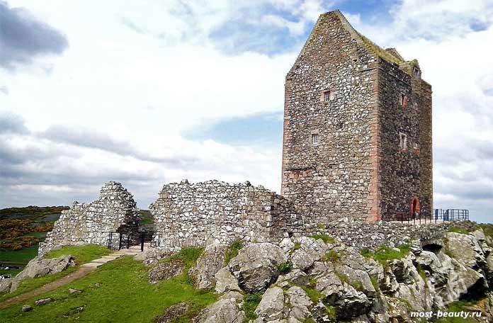 Красивые средневековые замки Шотландии: Башня Смайлхольма