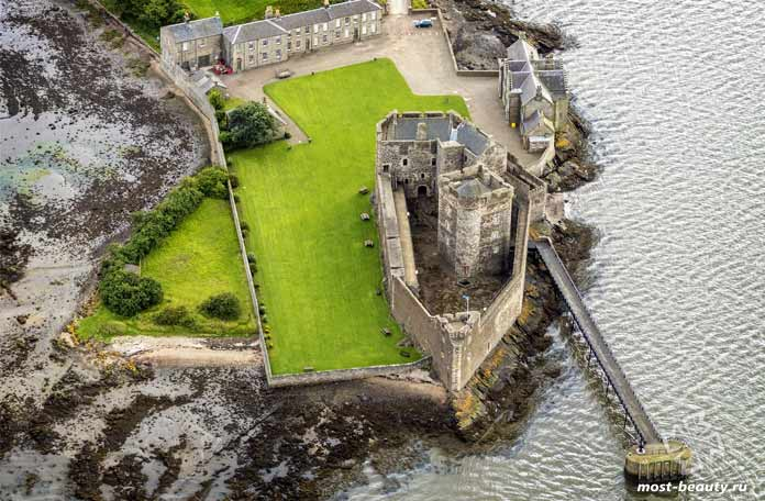 Прекрасные средневековые замки Шотландии: Замок черноты