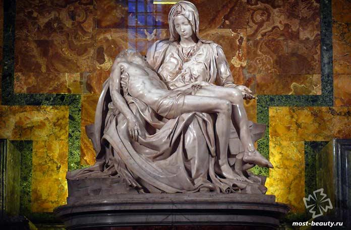 Самые необычные статуи Иисуса Христа: Пьета. СС0