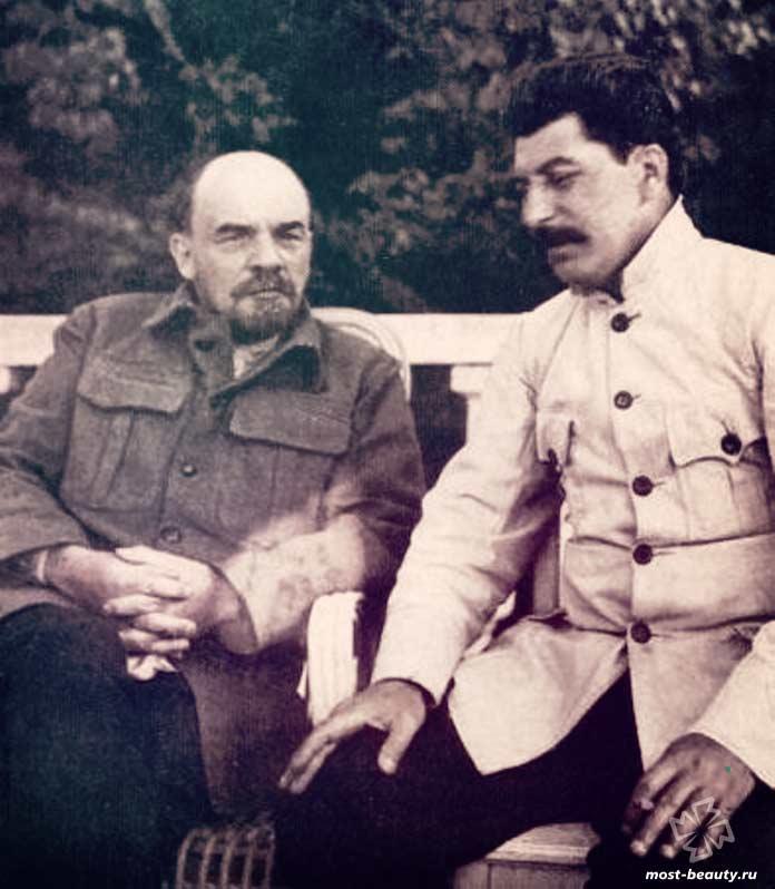 СССР - одна из влиятельных стран, которых больше не существует. CC0