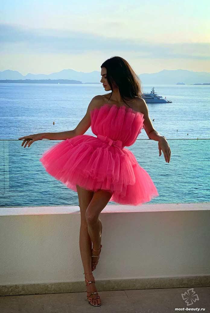 Kendall Nicole Jenner в красном