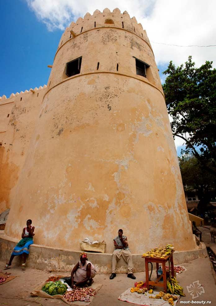 Достопримечательности Кении: Прогуляйтесь по старому городу Ламу