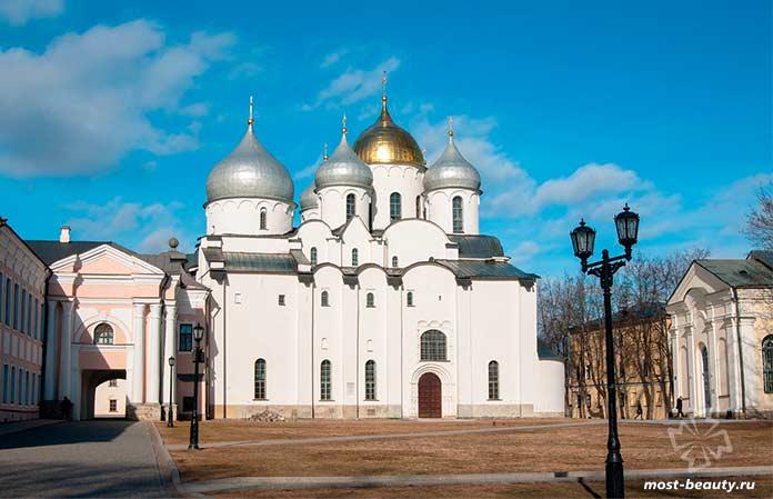 Архитектурные памятники Новгорода и его окрестностей. cc0