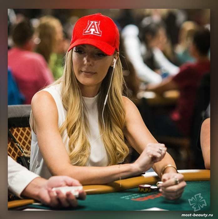 Самые красивые игроки в покер: Лейси Джонс / Lasey Jones