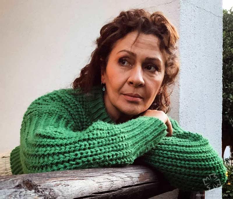 актёры сериала «Дочь посла»: Гонджа Джиласун