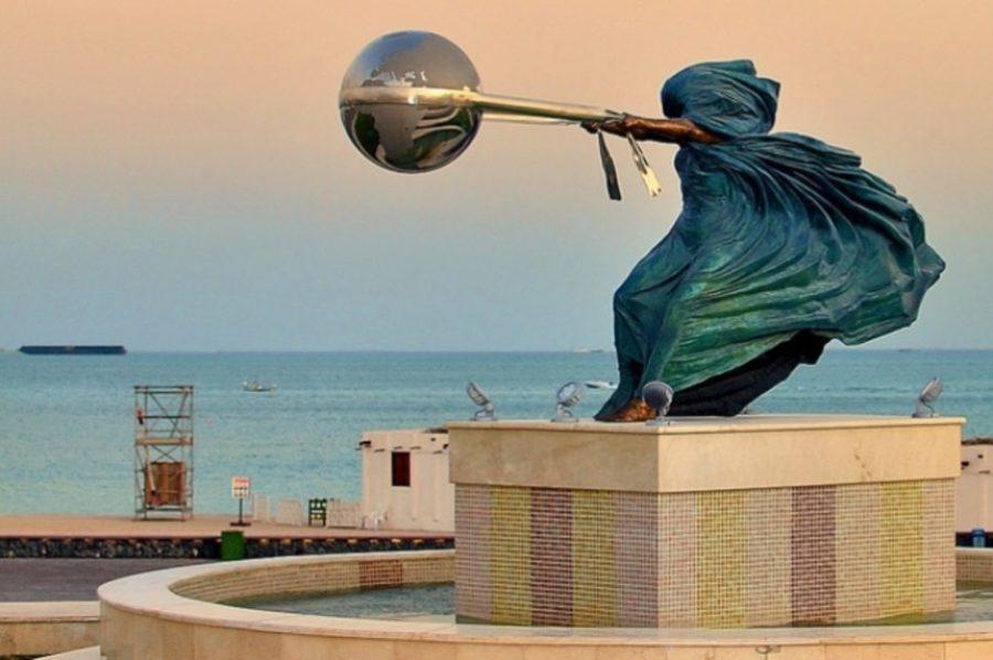 Эта скульптура призывает к ответственному отношению к природе