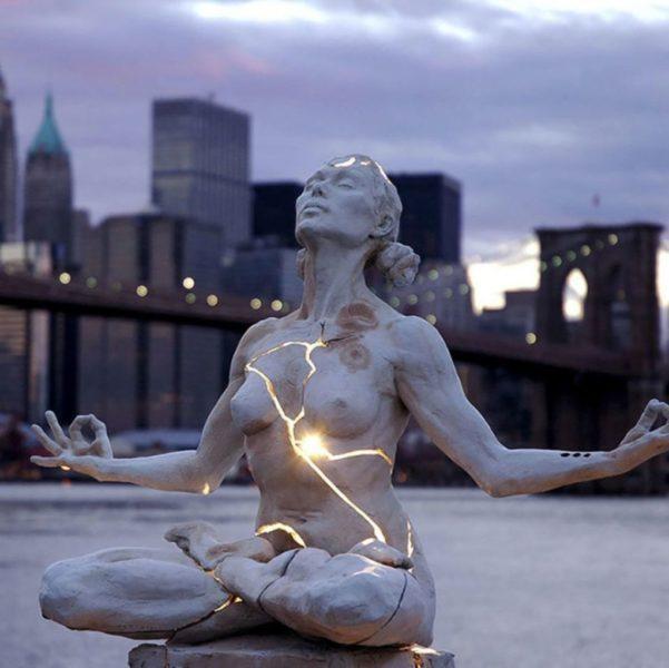 Эксперты называют эту скульптуру шедевром современного искусства