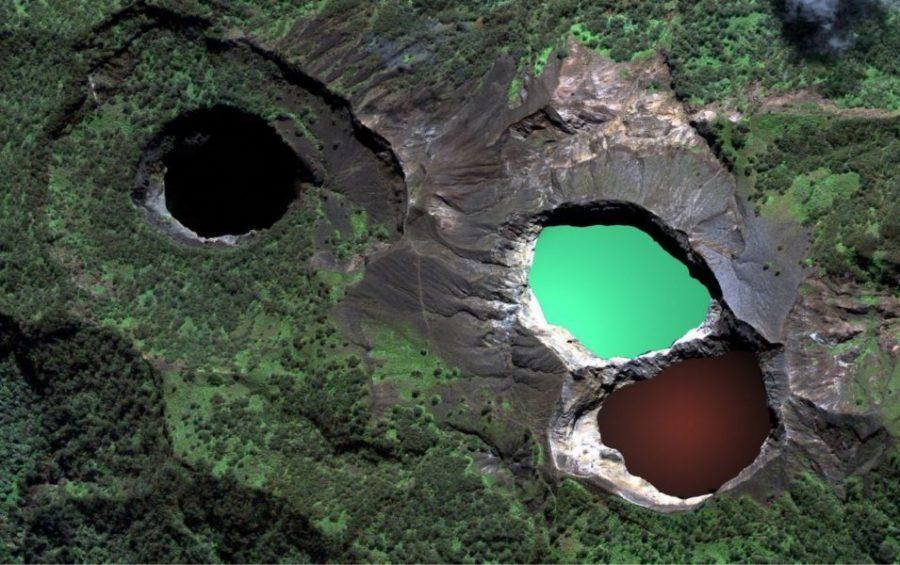 Озера вулкана Келимуту, Индонезия