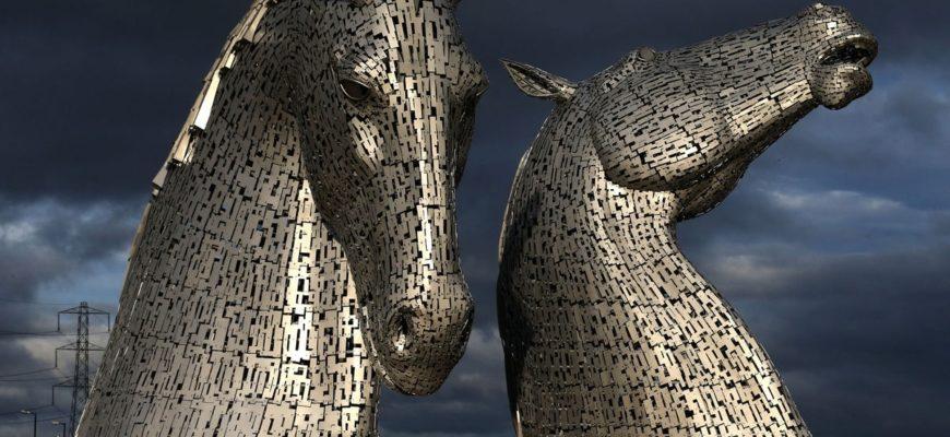 В качестве «моделей» Энди Скотт выбрал коней породы клейдесдаль