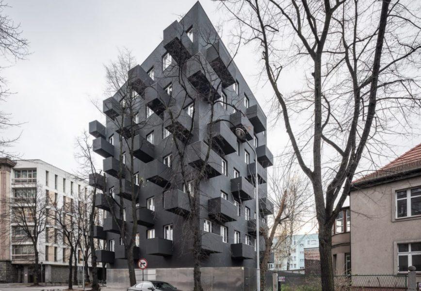 Дом с вытянутыми балконами (Польша)