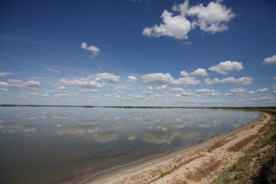 Соленое озеро Горькое