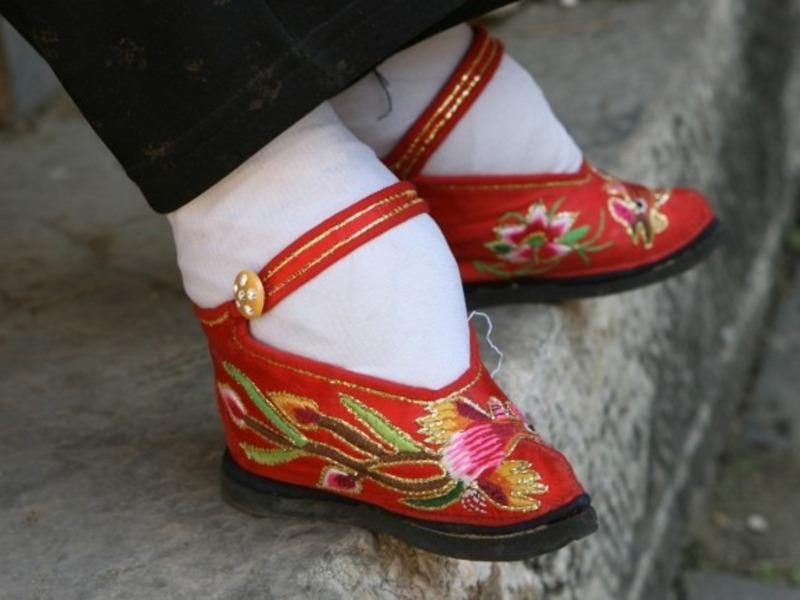 Туфли Лотос, Китай